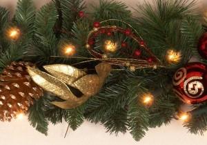 Pre Lit Christmas Garlands